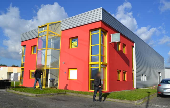 sainte luce sur loire exterieure2 - Rénovation des façades et des bureaux d'un hangar industrielle à Saint Luce Sur Loire (44)