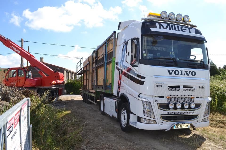 camion millet panneaux bois et ouvertures - Construction d'une maison bois de 80m2 à Nantes
