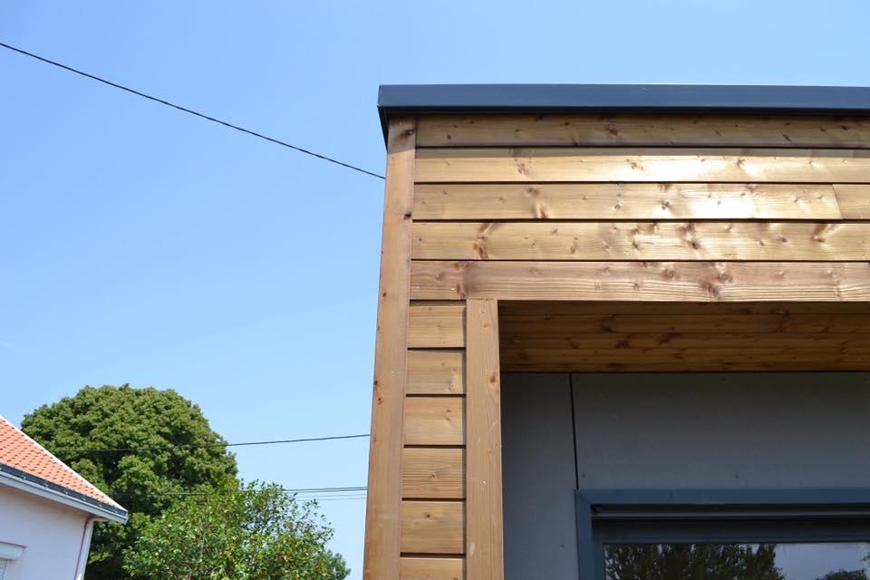 detail angle bardage maison prefabriquee bois - Construction d'une maison bois de 80m2 à Nantes