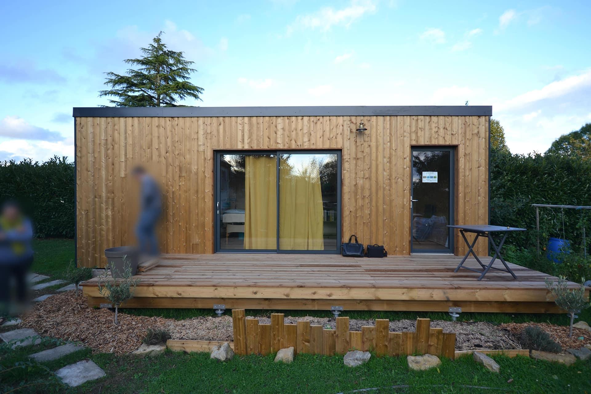 studio de jardin 20m2 en bois vue facade copie - Studio de jardin 20m2 proche Angers 49