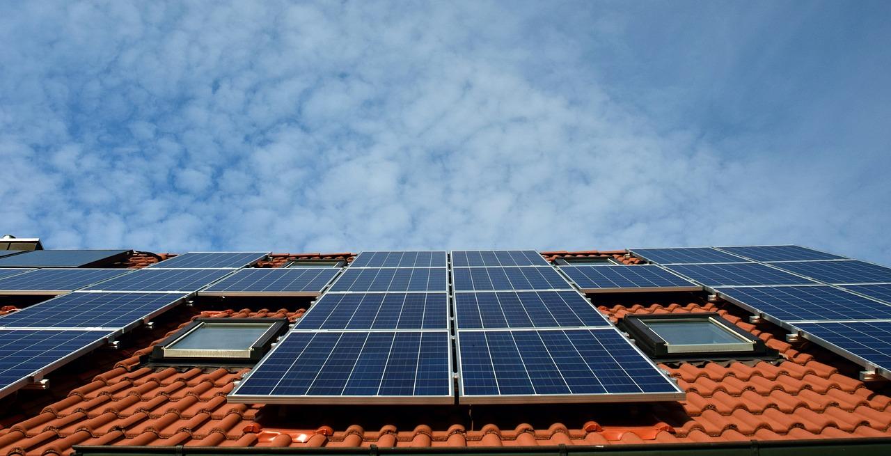Toiture photovoltaïque - Tout savoir sur la toiture photovoltaïque