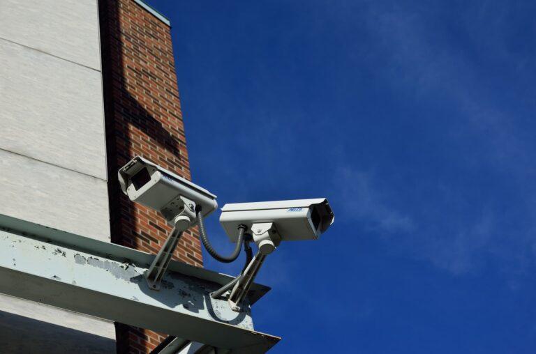 Installer une caméra de vidéosurveillance tout en respectant les règlementations