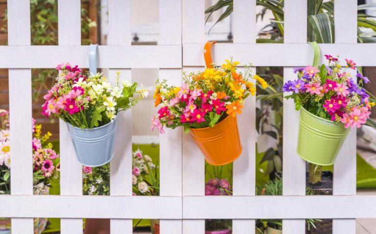 Read more about the article Jardin : comment décorer les clôtures et grillages ?
