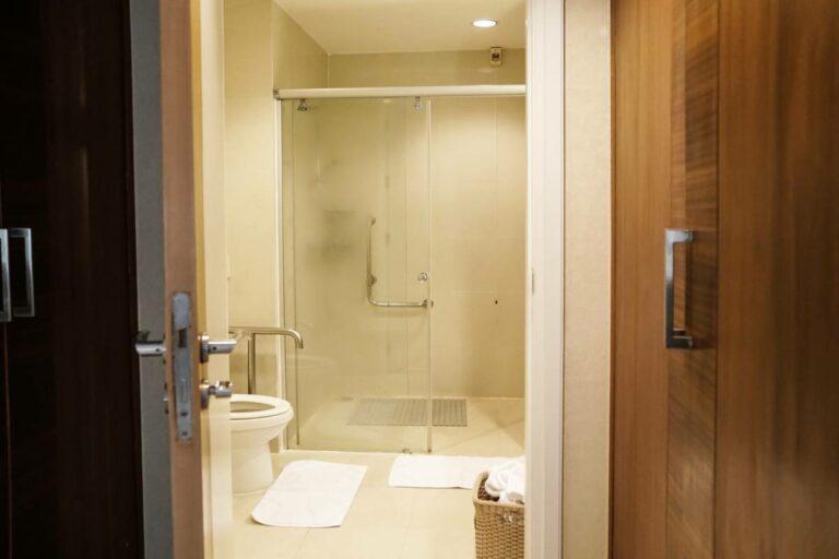 Read more about the article Personnes handicapées : comment adapter sa salle de bain ?